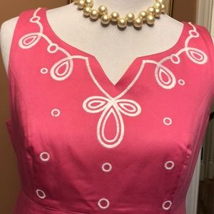 Lilly Pulitzer Dresses - Lilly Pulitzer sleeveless embroidered sheath.